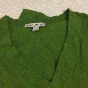 Autumn Cashmere Sweaters - Lovely green cashmere sweater. Size S